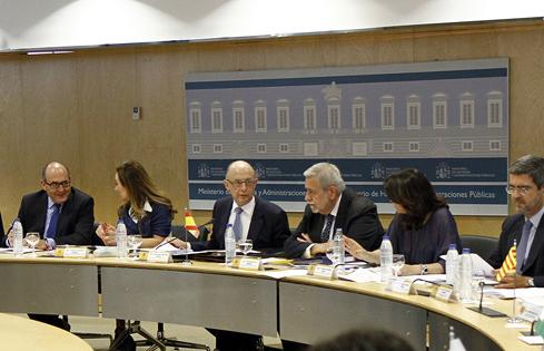 El Estado garantiza las prestaciones de sanidad, educación y dependencia de las comunidades autónomas