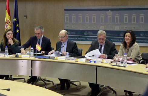 Nuevos mecanismos de financiación y liquidez a las CCAA para impulsar el crecimiento y garantizar la prestación de los...