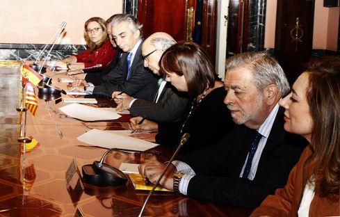 El Gobierno acuerda impulsar diversas actuaciones en carreteras y turismo con la Comunidad Autónoma de Illes Balears