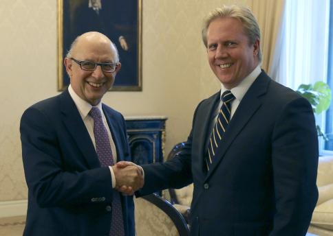 Cristóbal Montoro y el ministro de Hacienda de Nueva Zelanda valoran las reformas tributarias para crear empleo