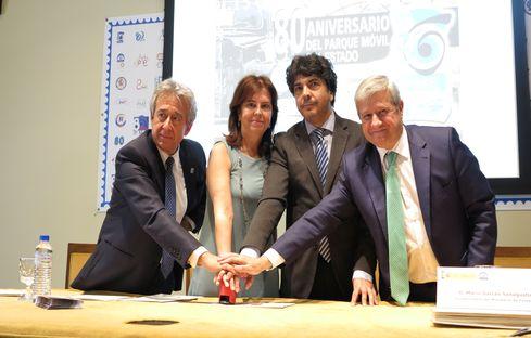 Presentación del sello de correos conmemorativo del 80 aniversario del Parque Móvil