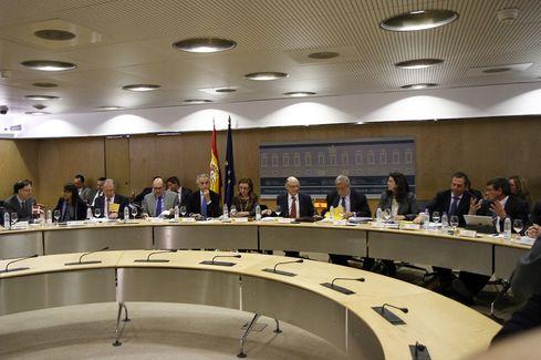 Hacienda mantendrá reuniones bilaterales con las CCAA para poner en marcha las medidas para reducir el déficit